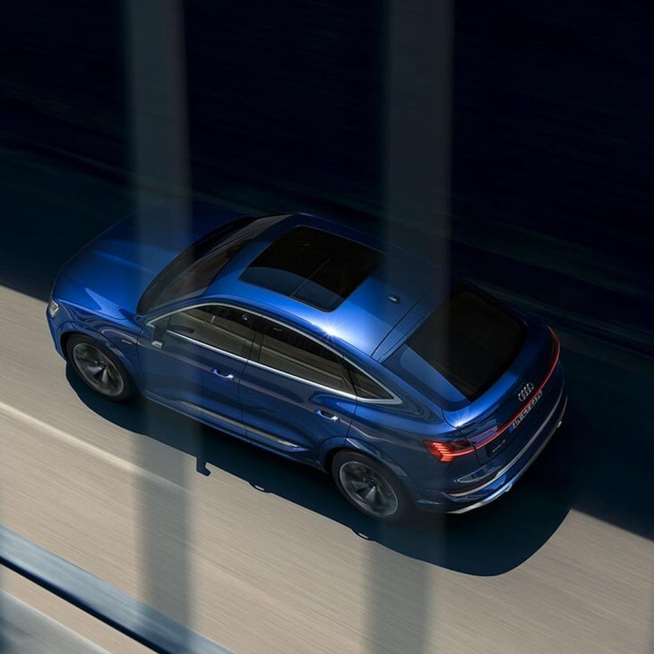 Foto: Kampanjebilde - 730x730-audi-e-tron-s-sportback-dynamic-top-my2021-0477.jpg