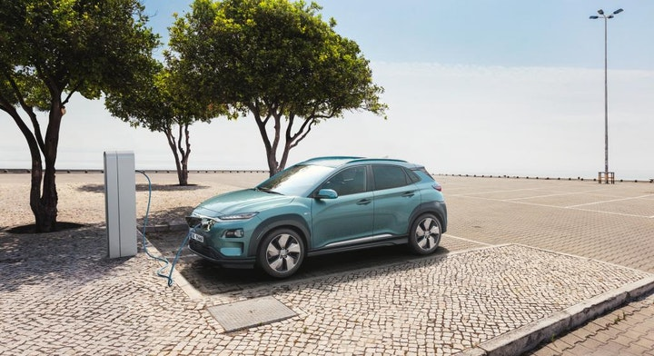 Foto: Kampanjebilde - All-New Hyundai Kona Electric_HME_PR_charging_BM.jpg