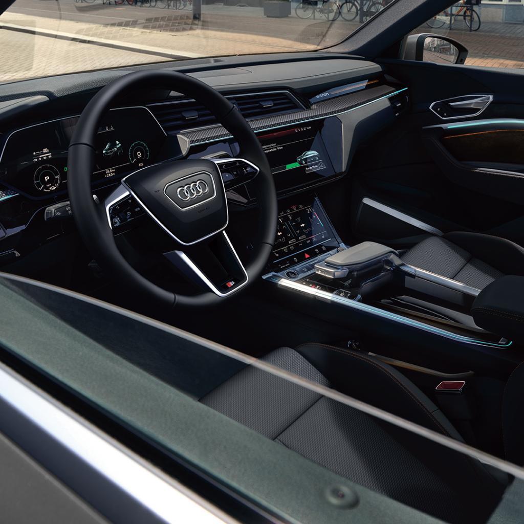 Foto: Kampanjebilde - Audi e-tron Black Edition karusell-3.jpg