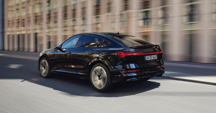 Foto: Kampanjebilde - Audi e-tron Sportback Black Edition FB 1200x628 03-21-2.jpg