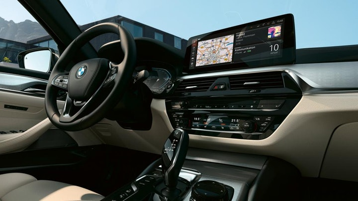 Foto: Kampanjebilde - bmw-5-series-touring-highlights-design-mosaic-gallery-desktop-05.jpg